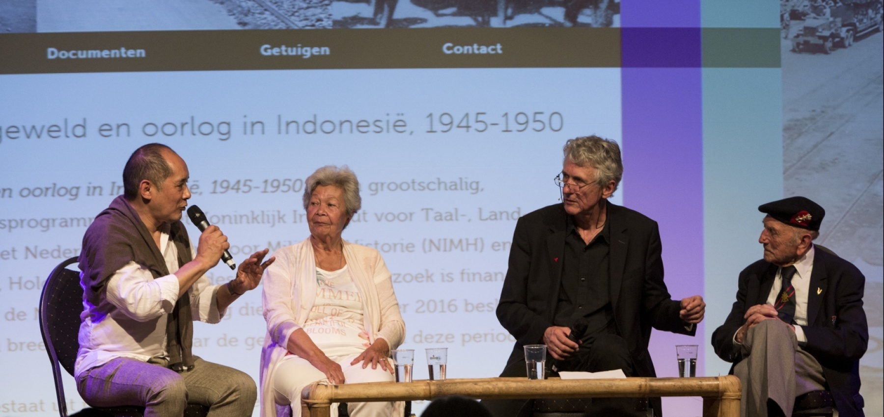 Peter Bouman, Rita Young, Fridus Steijlen and Ad Jansen during the kick-off of witnesses and contemporaries at the Tong Tong Fair. Beeld: Tong Tong Fair/Henriette Guest